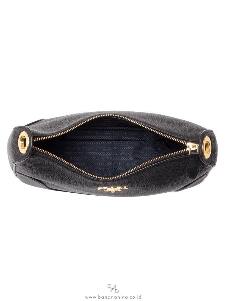 PRADA 1BC052 Vitello Daino Shoulder Bag Nero