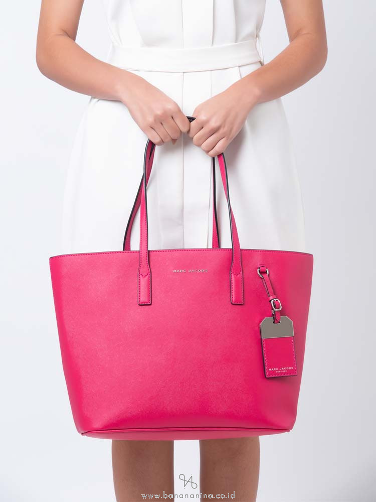 MARC JACOBS Luggage Tag Tote Carnation