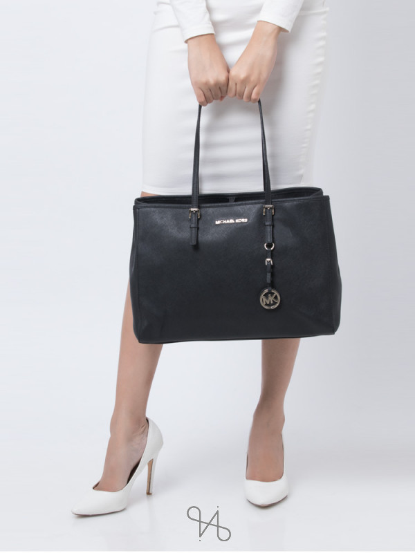 MICHAEL KORS Jet Set East West Large Tote Black