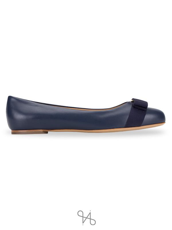 SALVATORE FERRAGAMO Varina Patent Leather Flats Oxford Blue Sz 8.5