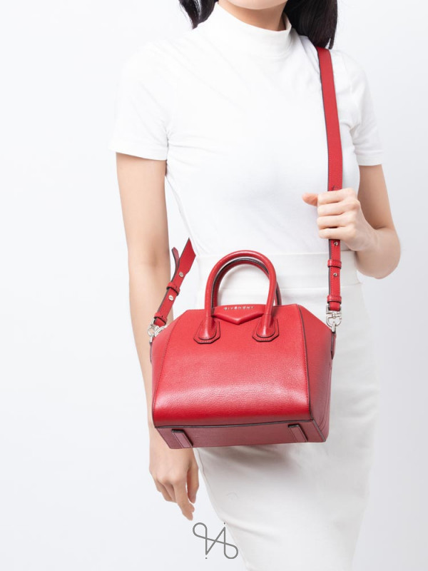 GIVENCHY Sugar Goatskin Mini Antigona Red