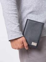 GUCCI Men Leather Passport Holder Black