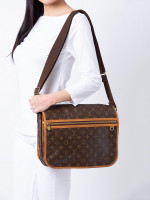 LOUIS VUITTON Monogram Bosphore GM