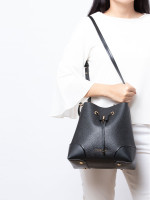 MICHAEL KORS Mercer Gallery Medium Convertible Bucket Black